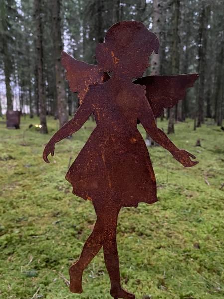 Bilde av Engler i rust på pinne