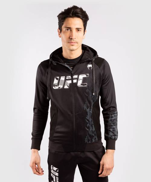 Bilde av VENUM UFC Offisiell Fight Week Hettejakke - Svart