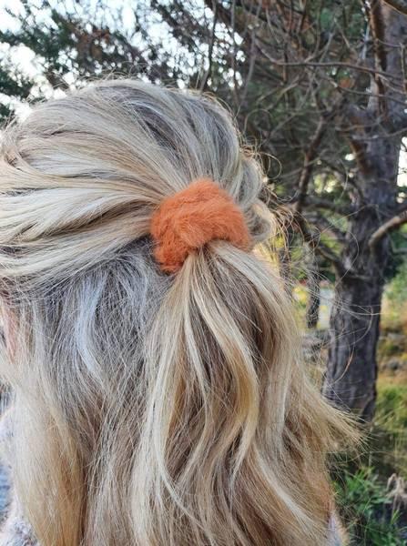 Fluffy Fur hårstrikk 8cm orange