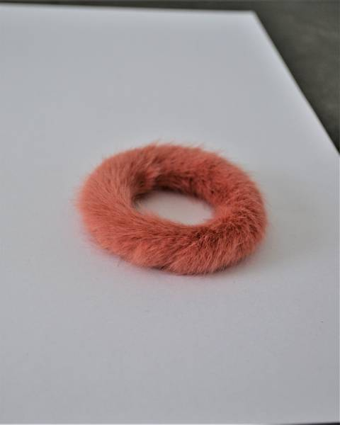 Fluffy Fur hårstrikk 8cm peach