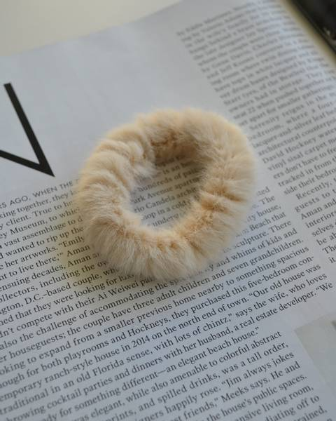 Fluffy Fur hårstrikk 8cm natural
