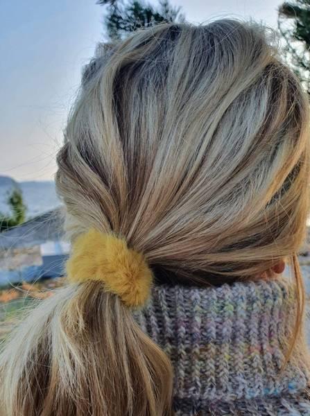 Fluffy Fur hårstrikk 8cm yellow