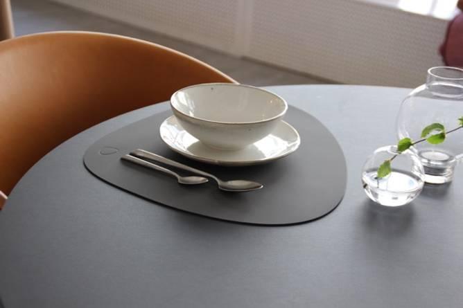 Bilde av Table Mat Curve Antrasite