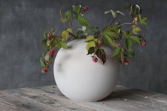 Bilde av Cooee Ball vase 20 cm Sand