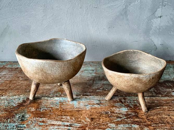 Bilde av Keramikkfat på ben d 12 cm