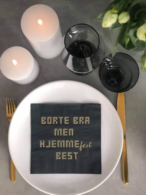 Bilde av Sort serviett med gull tekst