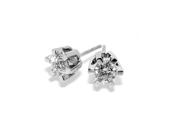 Diamantøredobber med diamanter 0.60 tw.si