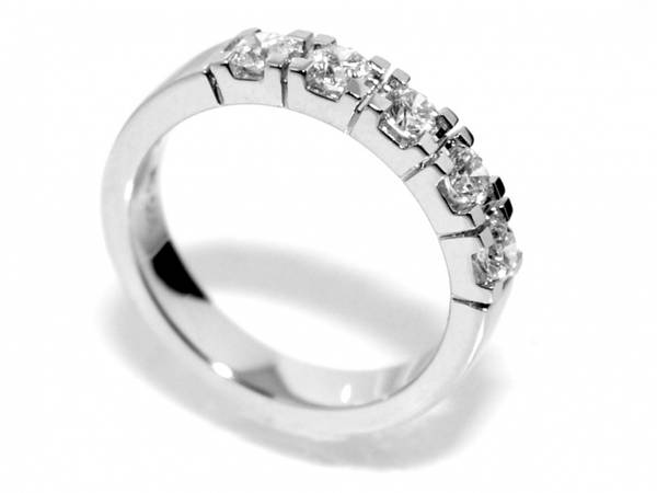 Spesialpris! Alliansering med diamanter 0.75 carat w.si (585)