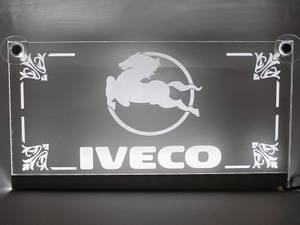 Bilde av Iveco logo i pleksiglass -