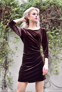 Bilde av Ewy Velvet Dress