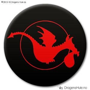 Bilde av  Button: Dragens Hule-dragen på svart  (velg farge)