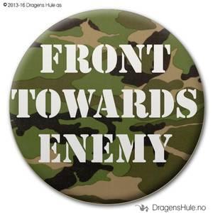 Bilde av  Button: Front Towards Enemy