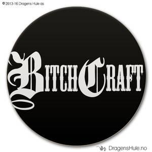 Bilde av  Button: Bitchcraft  (velg farge)
