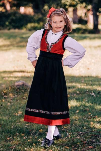 Bilde av Salto bunad / Festdrakt til jente med skjorte,