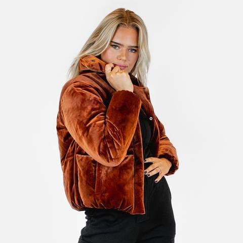 Bilde av Bekka Velvet Puff Jacket - Rusty Red