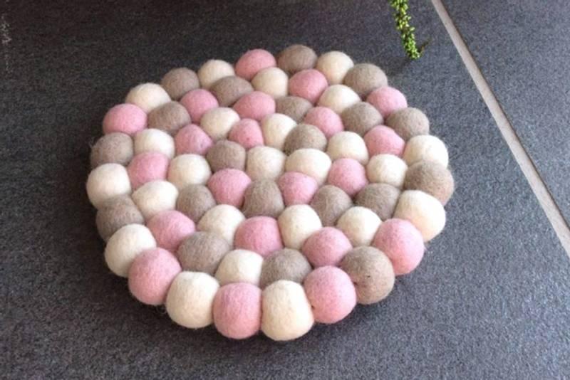 Bilde av Bordskåner, rosa/ hvit
