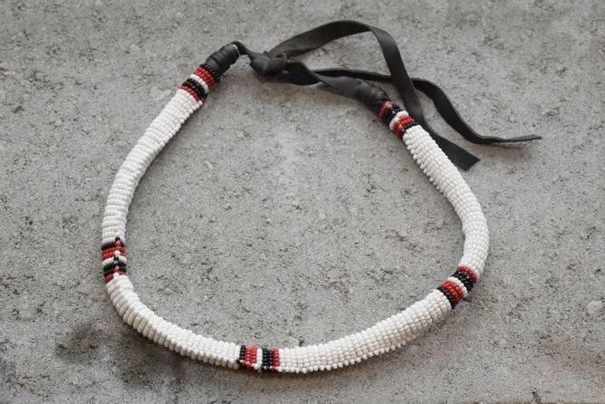 Bilde av Olkelai hvitt Maasaismykke