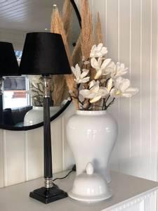 Bilde av Laurens bordlampe svart/sølv