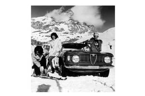 Bilde av Alfa Romeo winter girls and ski 120cm x 120cm