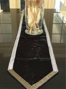 Bilde av Aten bordløper 205cm svart/ champagnemønster