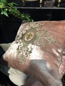 Bilde av Queen velur putetrekk rosa