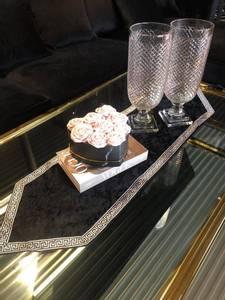 Bilde av Aten bordløper svart/sølv 117cm