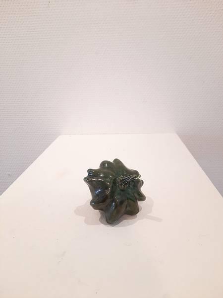Prydgresskar mosegrønt av Astrid Grue