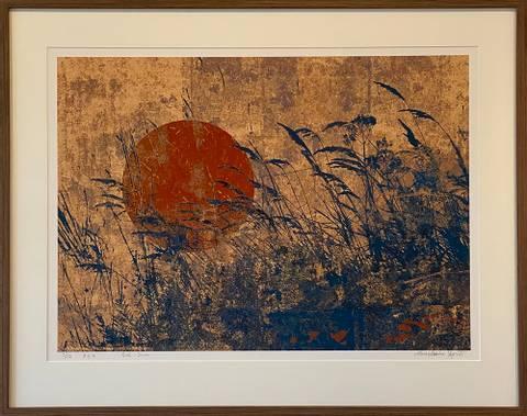 Bilde av Red Sun av Maria Natalie Skjeset med ramme