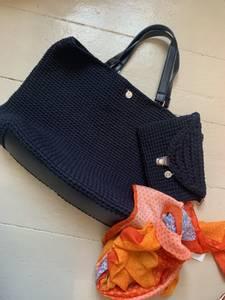 Bilde av Shopper svart med lekre detaljer