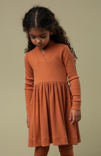 Bilde av kjole modal desert red