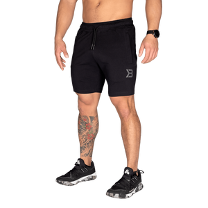 Bilde av Better Bodies Tapered sweatshorts - Sort shorts