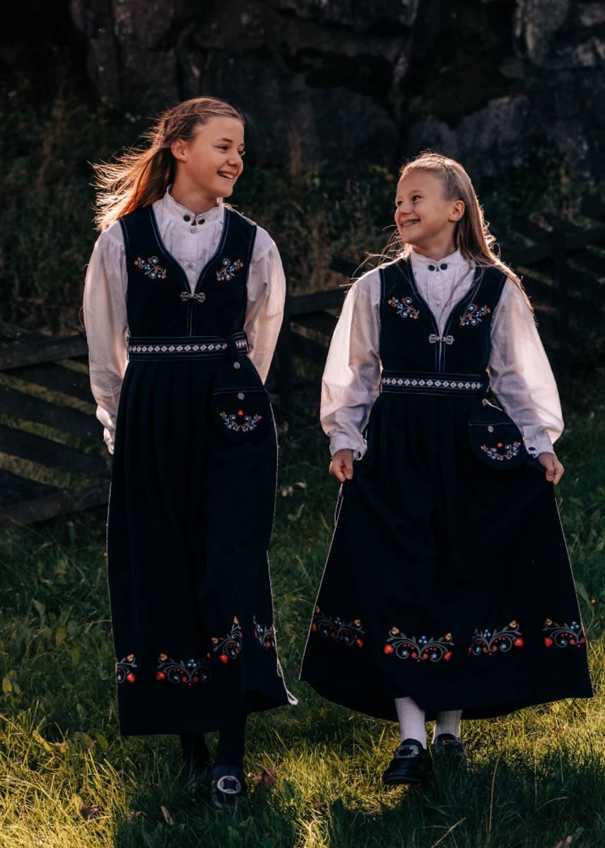 Mørk Blå Salto Hedda Festdrakt Junior