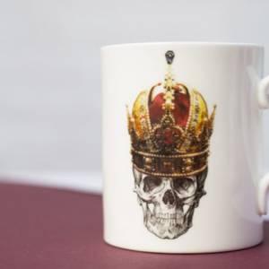 Bilde av Skull in red crown