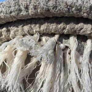 Bilde av Rustikk håndkle i lin med frynser