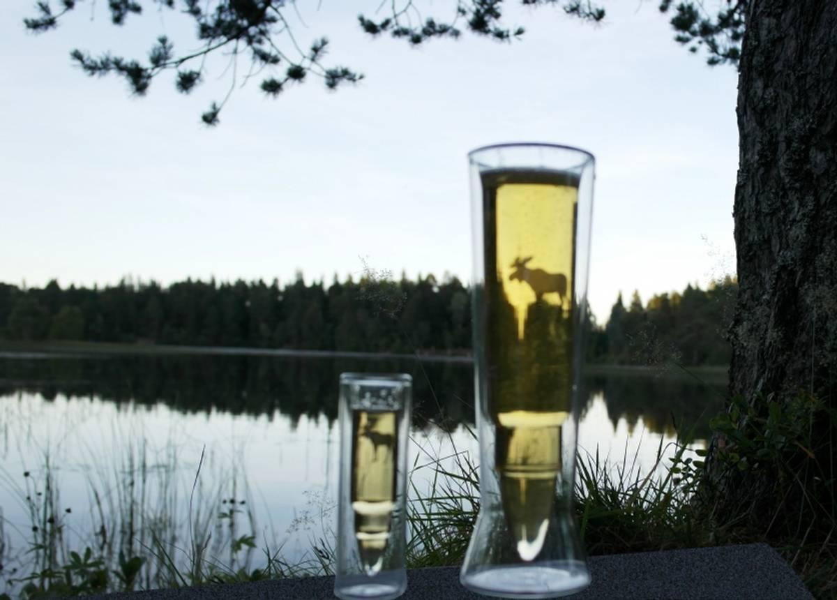 Silver Moose Glass