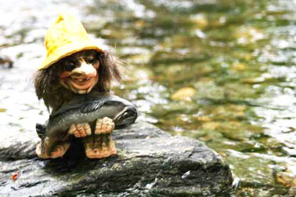 Image of Troll with a fish (Troll # 062)