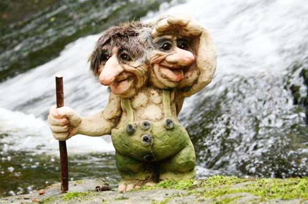 Image of Troll  with two heads (Troll # 101)