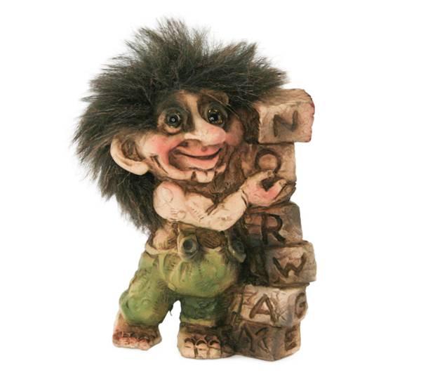 Image of Troll, stacking blocks, (Troll # 009)