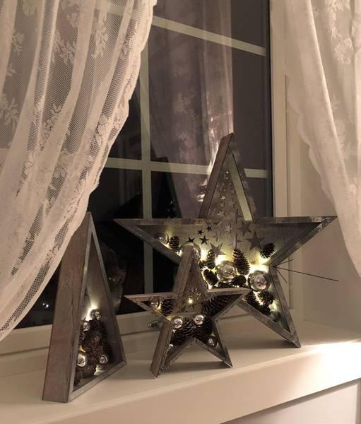 Bilde av Stjerne med kuler og kongler, sølv, STOR Ledlys