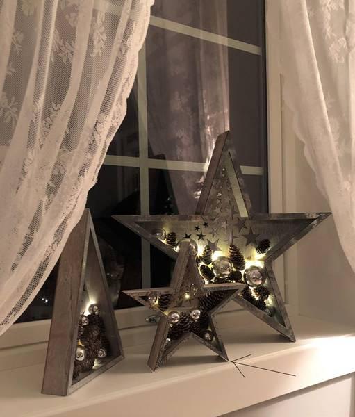 Bilde av Stjerne med kuler og kongler, sølv, liten, Ledlys