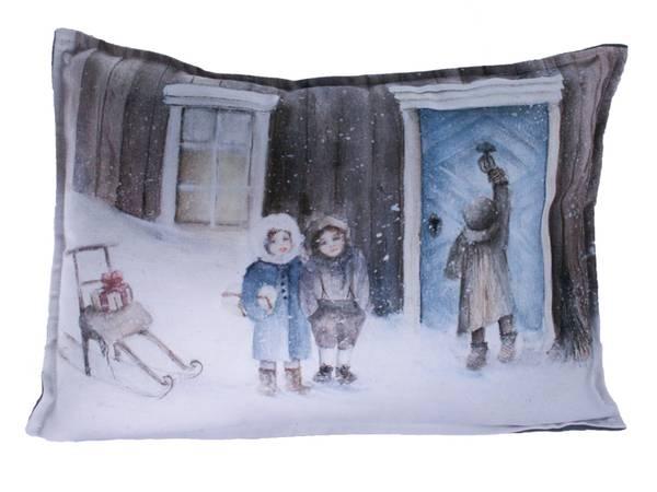 Bilde av Pute med fyll, Barn med spark, Vinterbarn