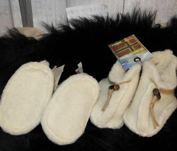 Bilde av Baby ulltøfler beige