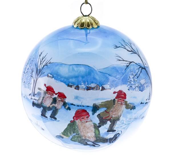 Bilde av Julekule,håndmalt,Fire nisser på skøyter