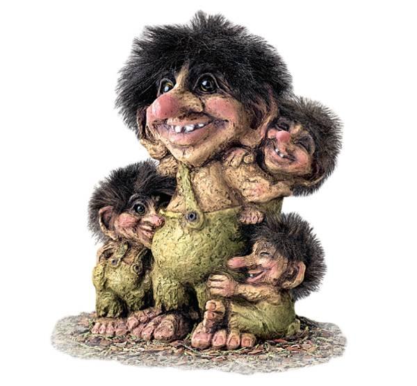 Bilde av Trollgubbe med unger (Troll nr. 267)