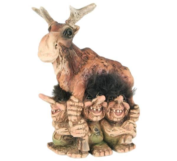 Bilde av Fire troll med elg  (Troll nr. 307)
