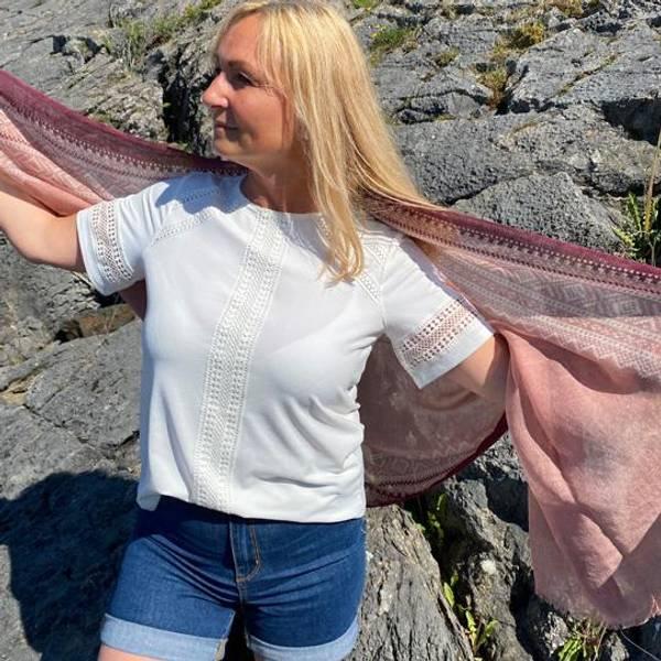 Bilde av Ullskjerf Marius. Lys rosa/hvit/lilla