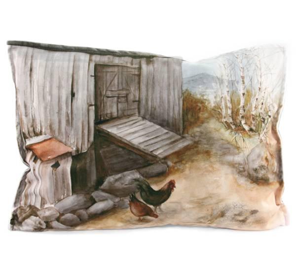 Bilde av Pute med fyll, høner på tunet