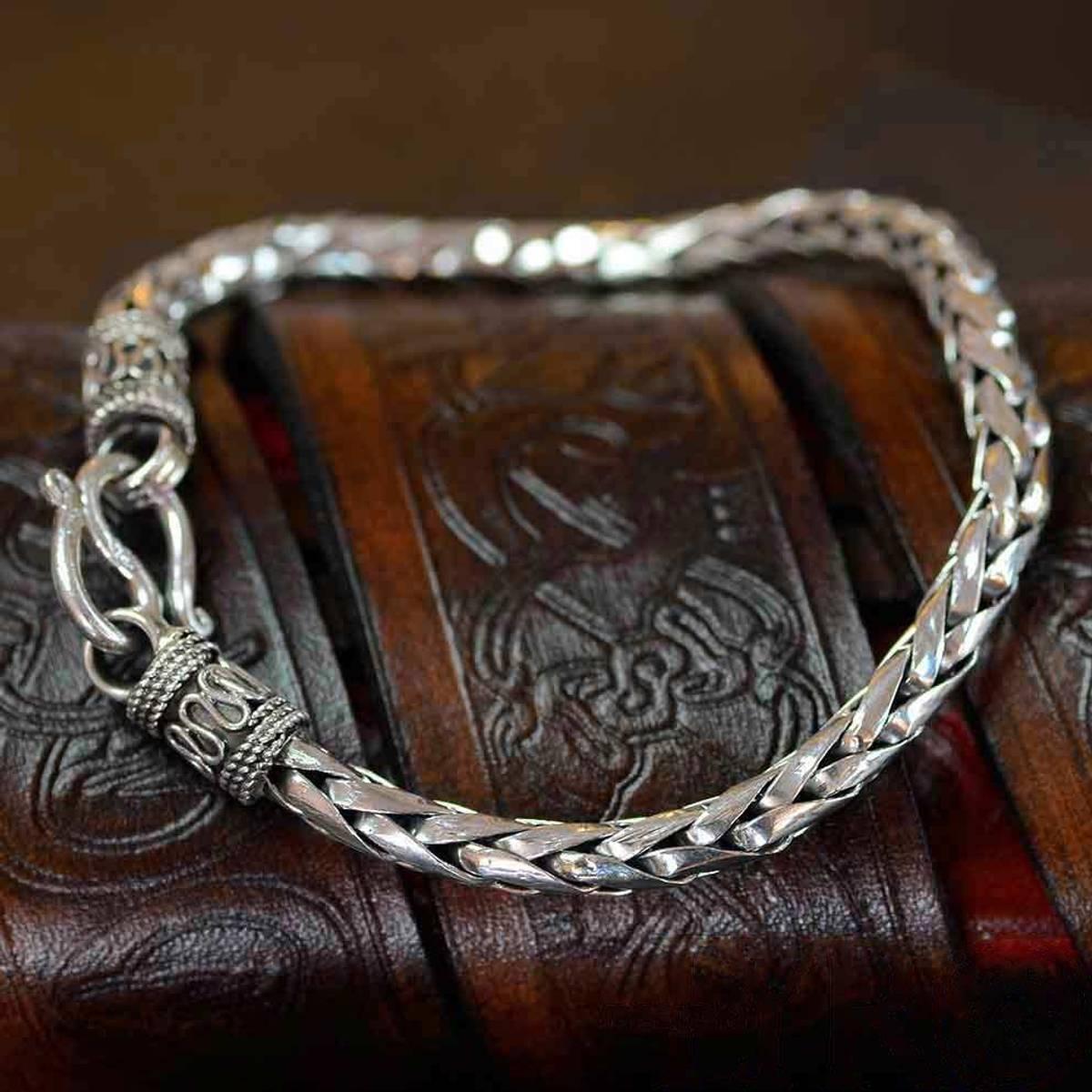 Vikinginspirert Sølvarmbånd