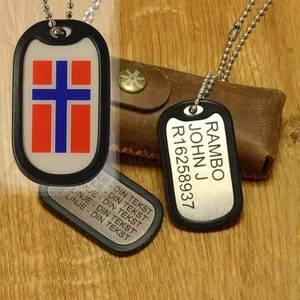 Bilde av Dog tag med gummibeskyttelse og Norgesflagg