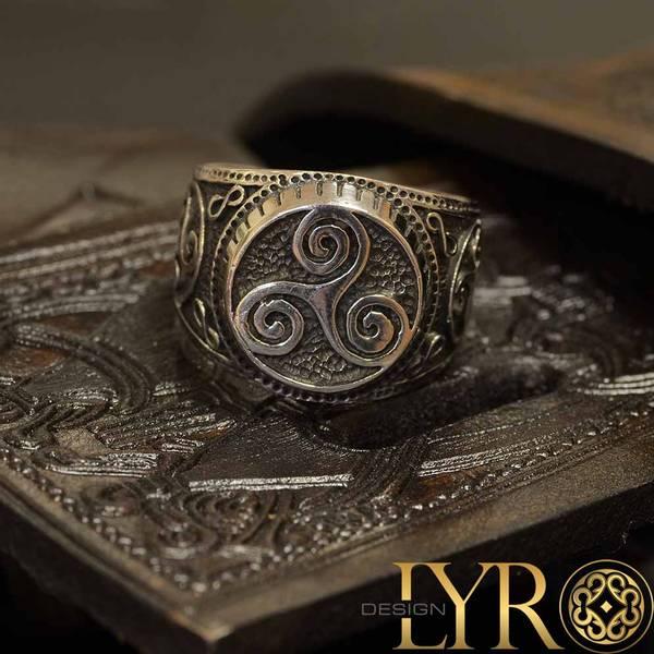 Bilde av Odins Triskelionring - Sølvring